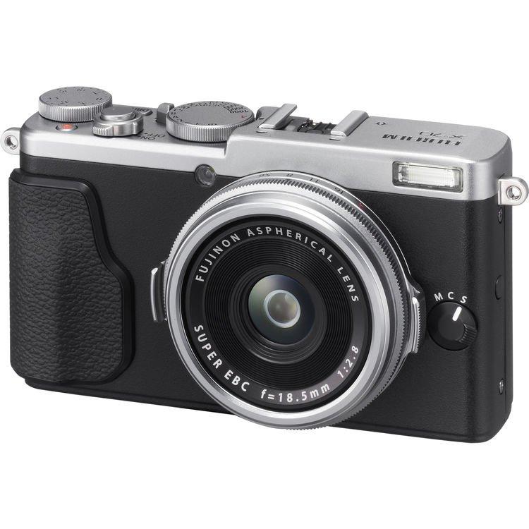 Fujifilm X70 Digital Camera (Silver) (Import)